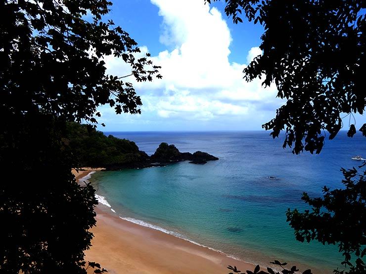Praia do Sancho em Fernando de Noronha (Foto: Esse Mundo é Nosso)