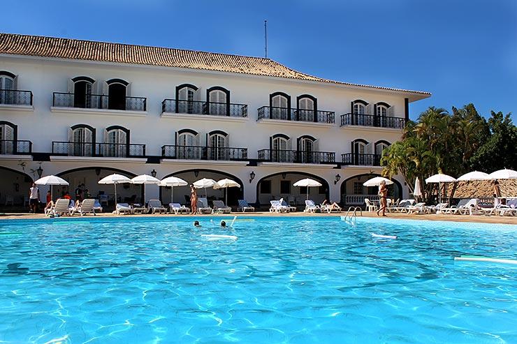 Hotéis Fazenda em SP: Piscina e área externa do San Raphael Country Hotel, em Itu (Foto: Esse Mundo é Nosso)