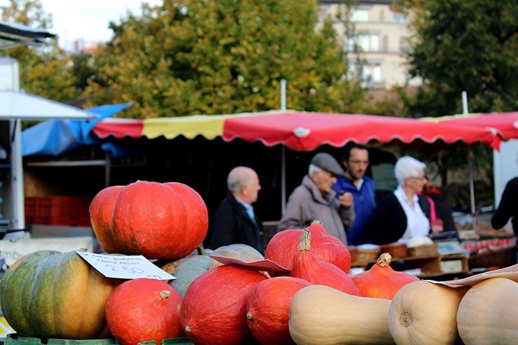Mercado e feira de Vevey, Suíça (Foto: Esse Mundo É Nosso)