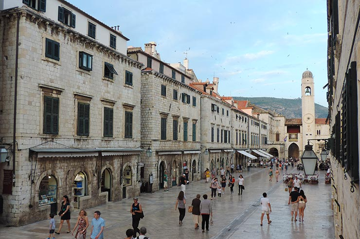 O que fazer em Dubrovnik, Croácia: Placa ou Stradun (Foto: Esse Mundo É Nosso)