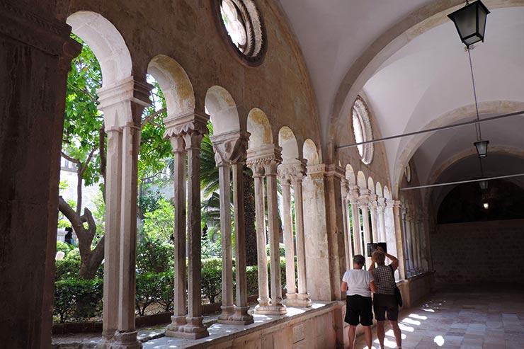 O que fazer em Dubrovnik, Croácia: Mosteiro e Museu Franciscano (Foto: Esse Mundo É Nosso)