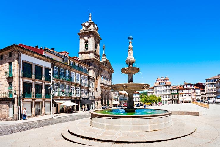 Cidades de Portugal - Guimarães (Foto via Shutterstock)