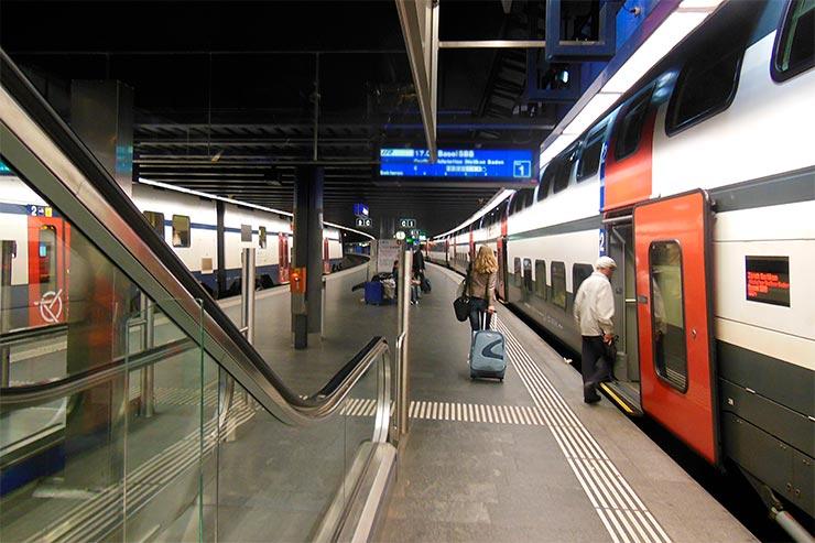 O que fazer numa conexão em Zurique [Chris J Wood (CC BY-SA 3.0)]