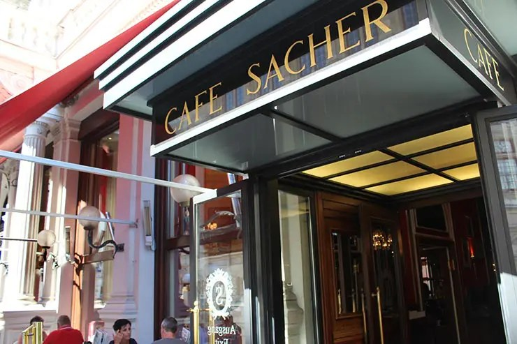 Pratos típicos de Viena: Wiener schnitzel (Foto: Esse Mundo É Nosso)