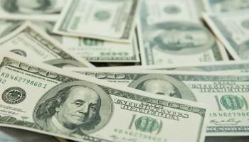 c396f13a19 Por que o dólar turismo é mais caro que o dólar comercial?
