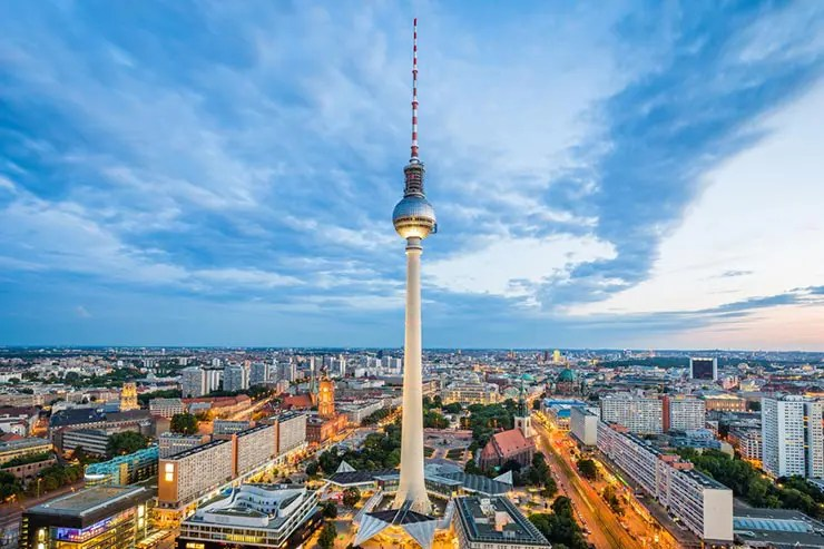Visita à Torre de TV de Berlim (Foto via Shutterstock)
