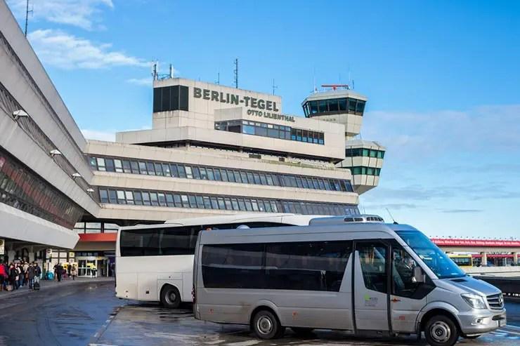 Como ir do aeroporto de Berlim ao centro - Aeroporto de Tegel (Foto via Shuttertock)