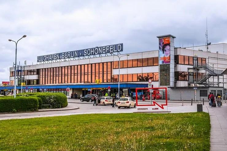 Como ir do aeroporto de Berlim ao centro - Aeroporto Berlim Schönefeld (Foto via Shuttertock)