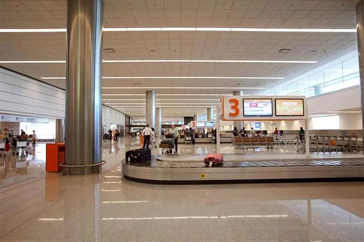 Como é a imigração no Uruguai (Foto: Divulgação/Aeropuerto Carrasco)