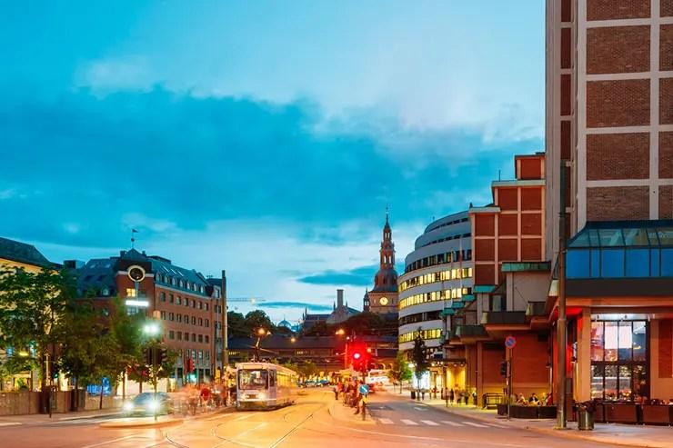 Norueguês bebe demais no réveillon e paga corrida de táxi por 3 países (Foto: Shuttestock)
