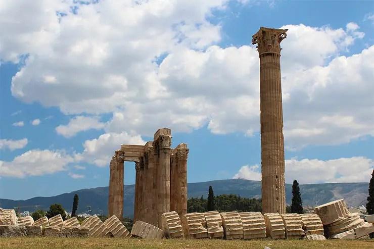 O que fazer em Atenas, Grécia - Templo de Zeus Olímpico (Foto: Esse Mundo É Nosso)
