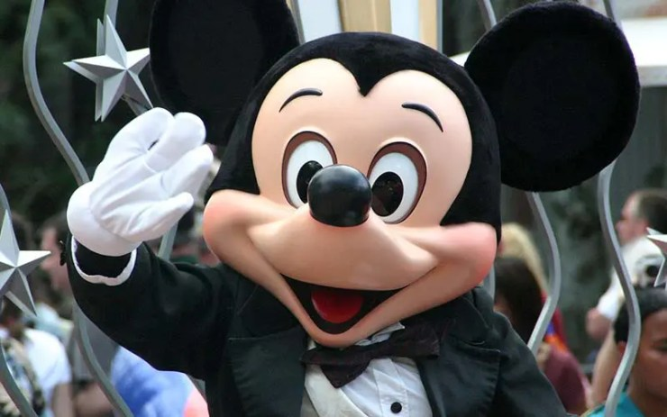 Disney desmente boato de parque no Brasil