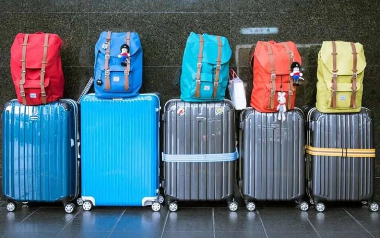 Comissão no Congresso aprova volta do despacho gratuito de bagagens