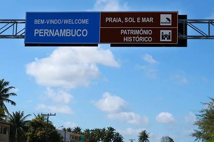 Divisa de Alagoas com Pernambuco, rumo a Porto de Galinhas (Foto: Esse Mundo É Nosso)