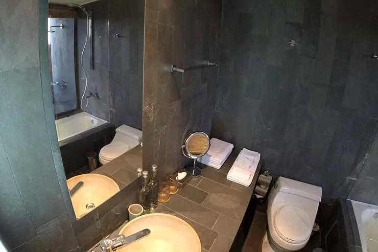 Banheiro do apartamento (Foto: Esse Mundo É Nosso)