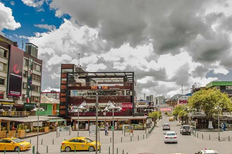 Plaza Foch em La Mariscal, em Quito (Por Fotos593 via Shutterstock)