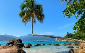 Praia do Aventureiro em Ilha Grande (Foto: Esse Mundo é Nosso)
