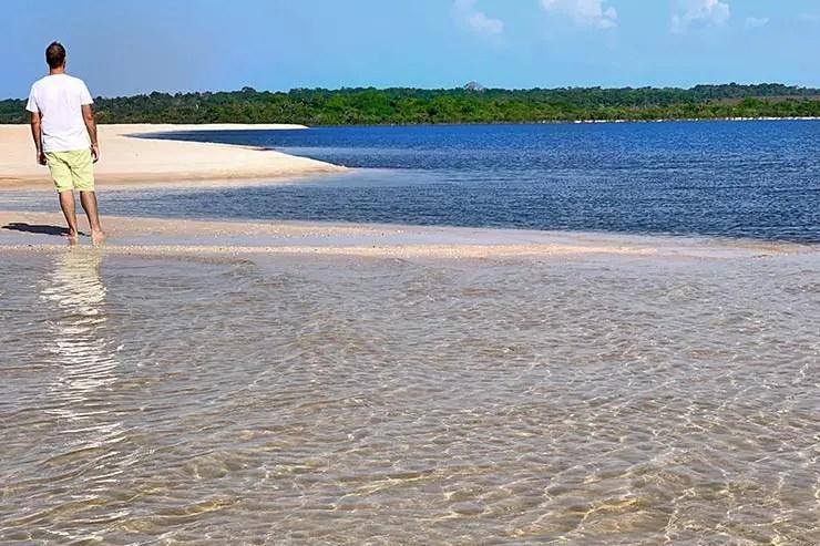Praia de Ponta Grande surge no meio do Rio Arapiuns em Alter do Chão (Foto: Esse Mundo É Nosso)