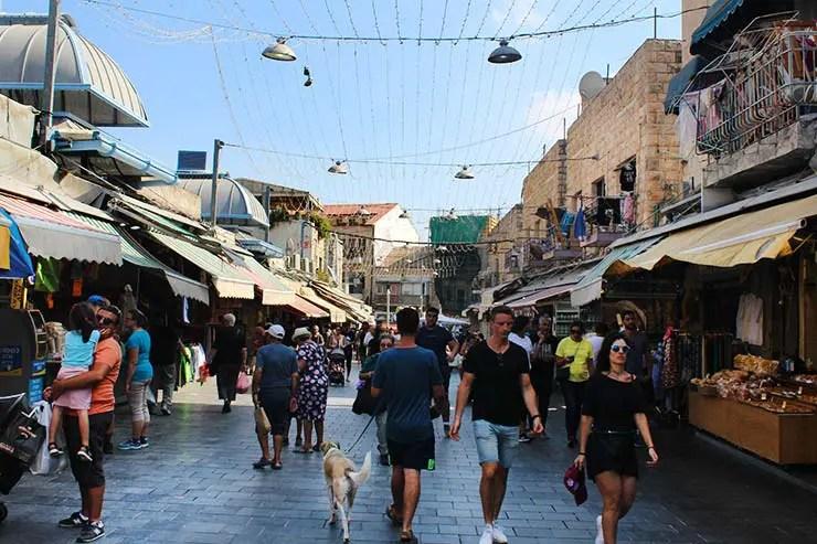 Lado exterior do Mahane Yehuda Market (Foto: Esse Mundo É Nosso)