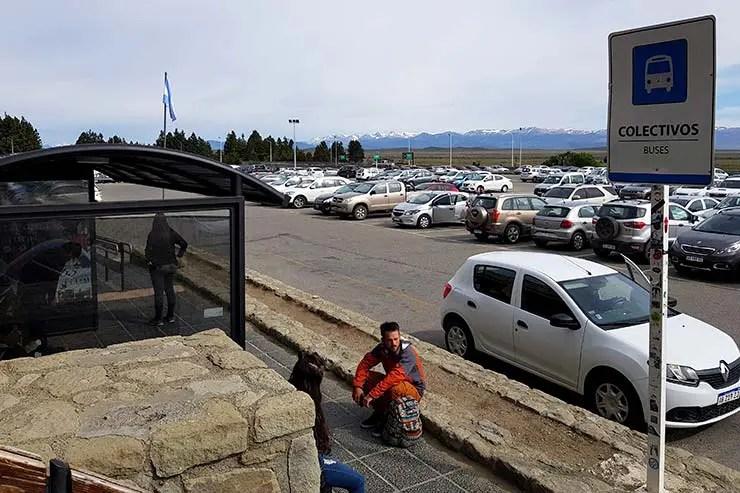 Ponto de ônibus no aeroporto de Bariloche (Foto: Esse Mundo É Nosso)