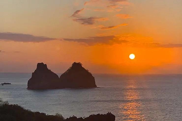 Passeios em Fernando de Noronha: Pôr do sol no Mirante do Boldró (Foto: Esse Mundo é Nosso)