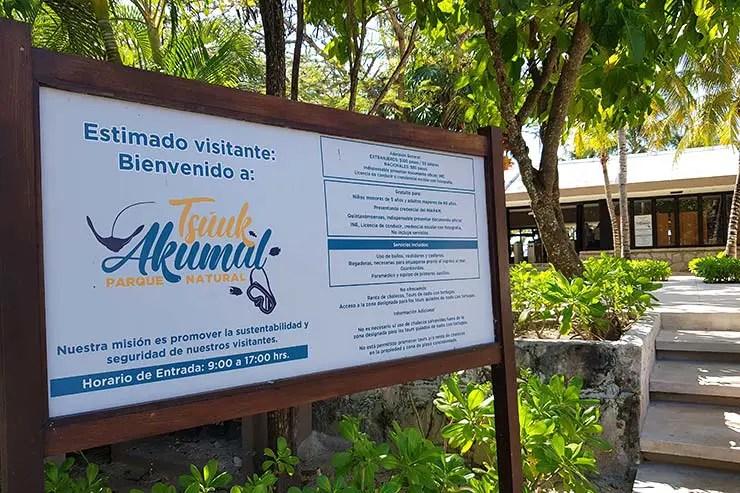 A praia é fechada e é preciso pagar (Foto: Esse Mundo É Nosso)