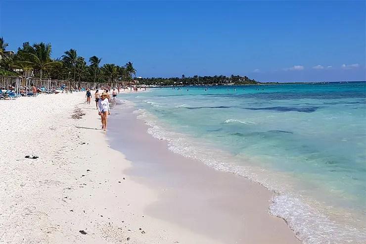Praia de Akumal, México (Foto: Esse Mundo É Nosso)