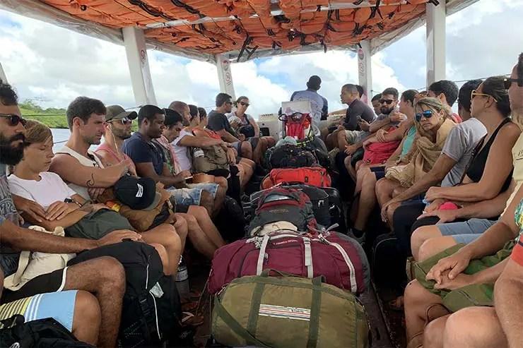 Barco maior também é opção além das lanchas rápidas (Foto: Esse Mundo É Nosso)