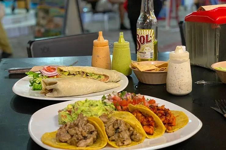 Quanto custa viajar pra Cancún e Playa del Carmen: Tacos e guacamole em restaurante típico mexicano (Foto: Esse Mundo é Nosso)