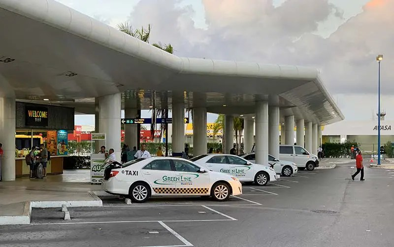 Táxi no aeroporto de Cancún