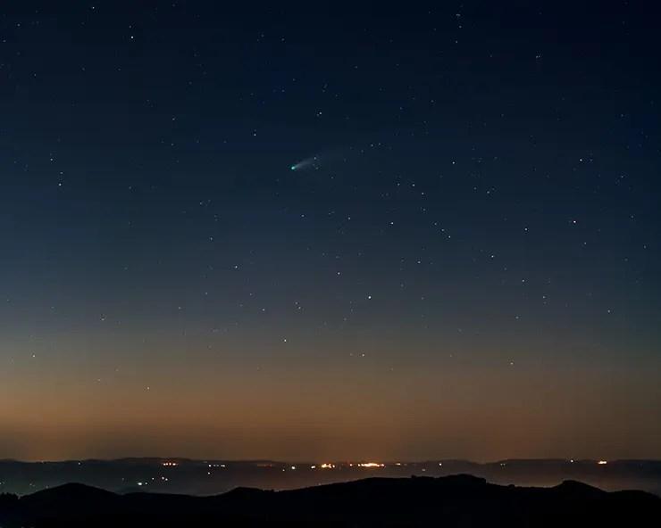 Cometa Neowise em Monte Verde (Foto: Tom Araújo/Divulgação)