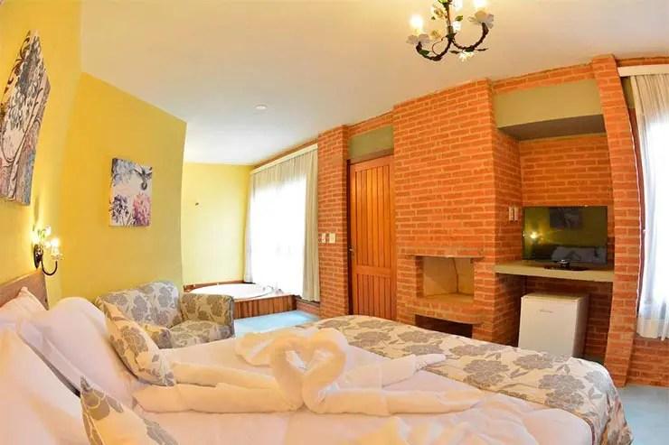 Hotéis e pousadas em Serra Negra: Quarto da Villa dos Leais (Foto: Reprodução/Booking)