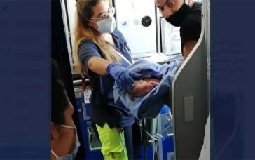 Bebê nasce em voo da EgyptAir e ganha passagens de graça vitalícias (Reprodução/Twitter)