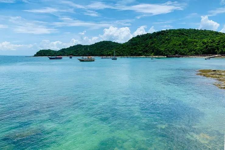 Mar claro da Ilha dos Frades (Foto: Esse Mundo é Nosso)