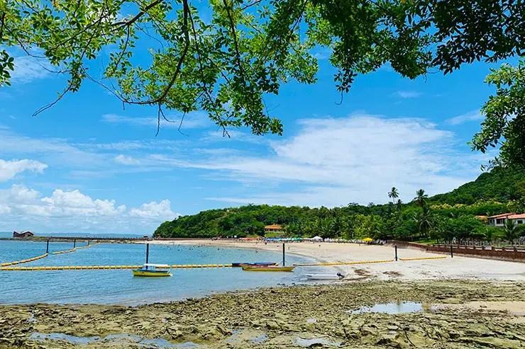 Uma das praias da Ilha dos Frades (Foto: Esse Mundo é Nosso)