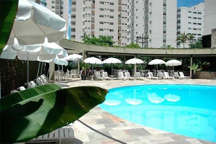 Hotéis e pousadas no Guarujá: Piscina do Ferraretto (Foto: Reprodução/Booking)