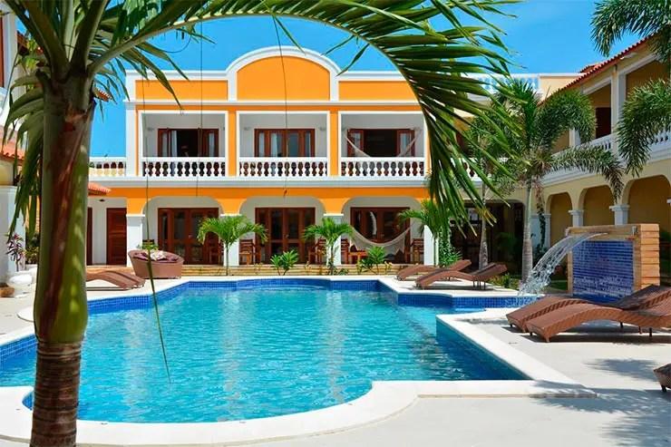 Onde ficar em Jericoacoara: Piscina e área externa da Villa Beija-flor (Foto: Divulgação)