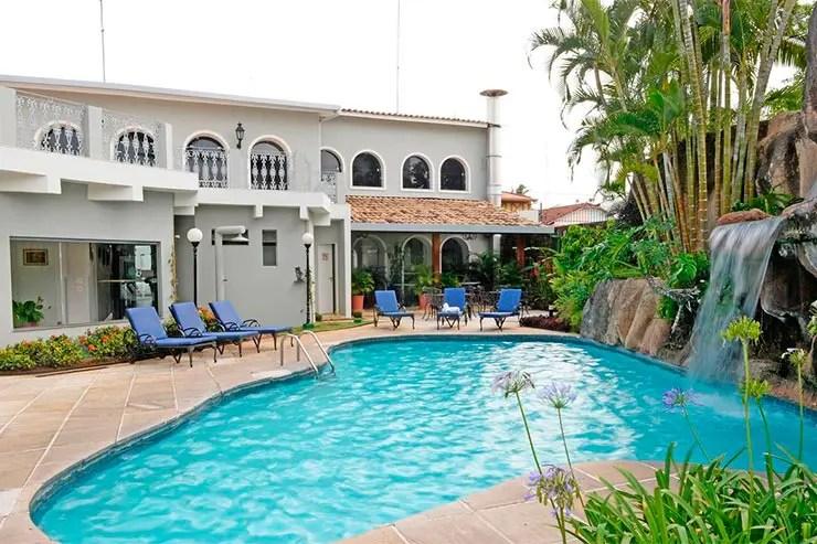 Hotéis e pousadas em Itu: Piscina da Colonial Plaza (Foto: Divulgação)