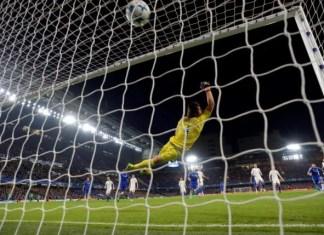 Willian Free kick Chelsea