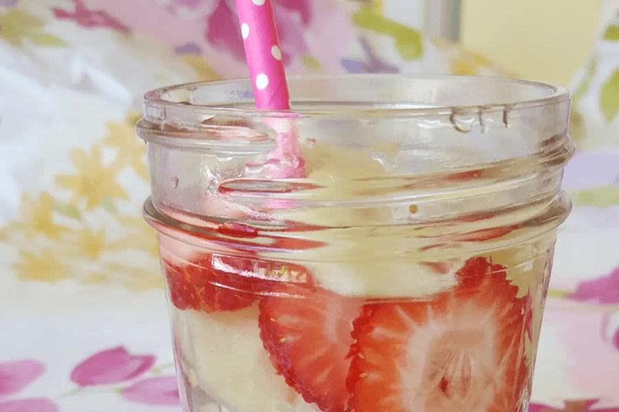 Refreshing Flavored Water Recipe With Essential Oils