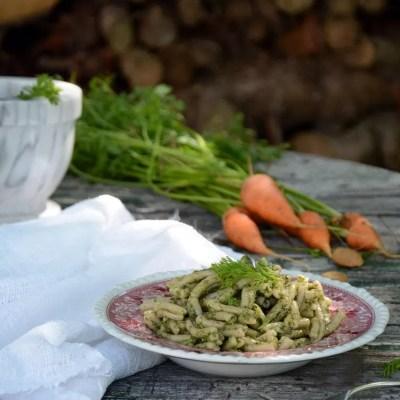 Casarecce di solina con pesto di foglie di carota