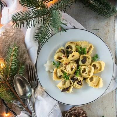 Tortelli con topinambur, baccalà e tartufo