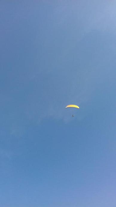 felixstowe paraglider