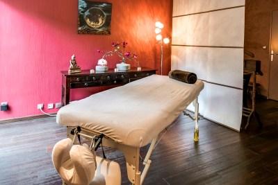 Noelle Denis - photo cabinet réflexologie plantaire - chi nei tsang - massage