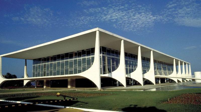 Planalto lança página com lista de serviços que não podem parar
