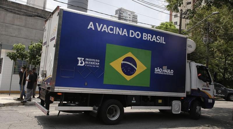 Governo de SP entrega mais 125 mil vacinas para 75 locais novos