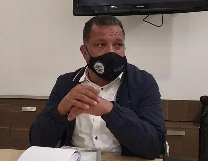 GOBERNADOR EMPLAZA DESTITUCIÓN