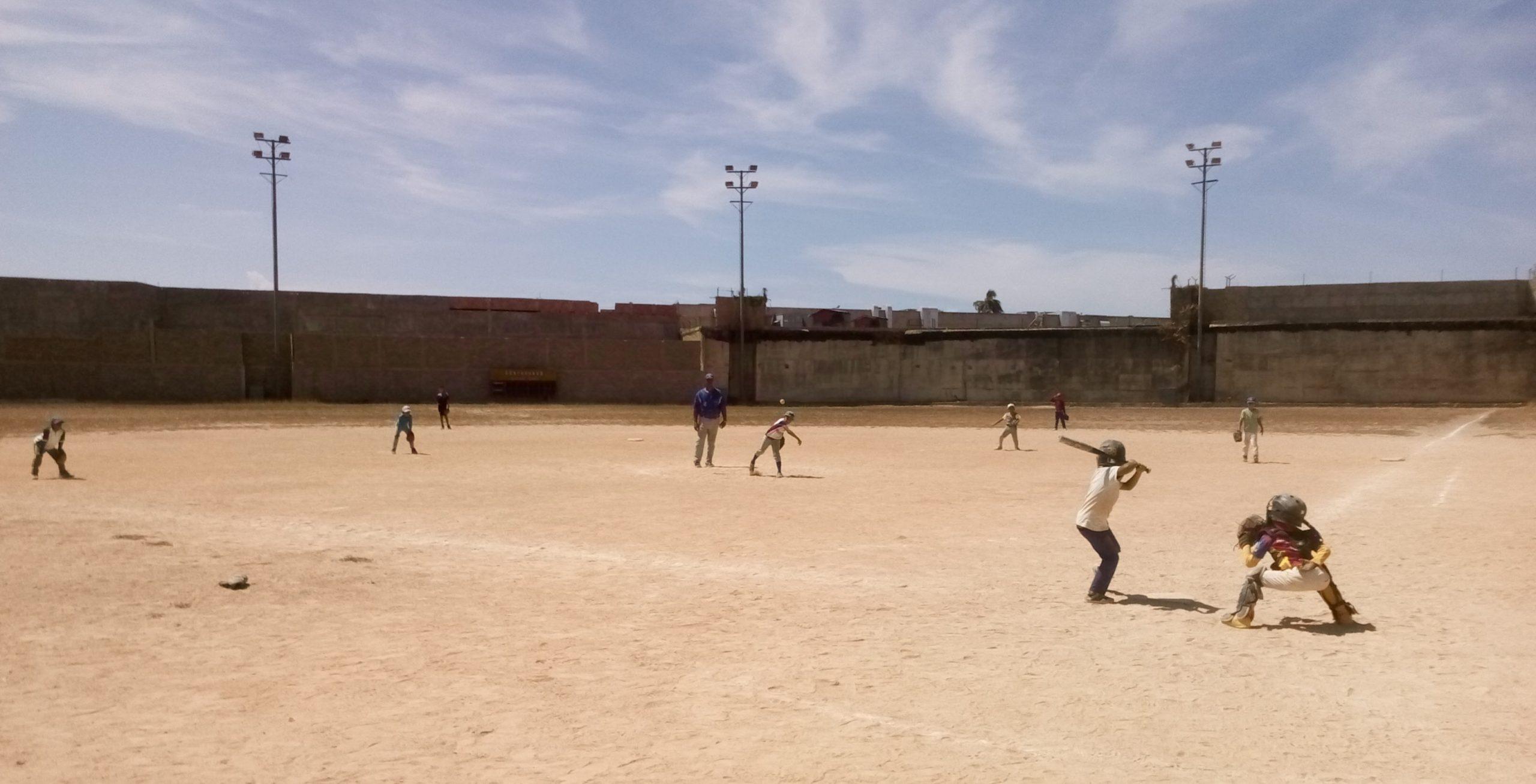 """Cuatro escuelas de beisbol menor participarán en el homenaje a Gregorio """"Chocho"""" Alfonzo."""