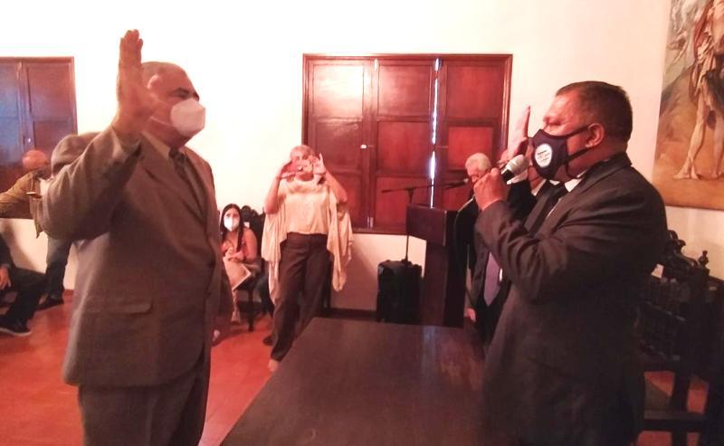 Verni Salazar fue juramentado como cronista oficial de Nueva Esparta, por el gobernador Alfredo Díaz