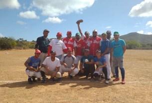 El equipo de La Pared está integrado por pescadores y sus familiares